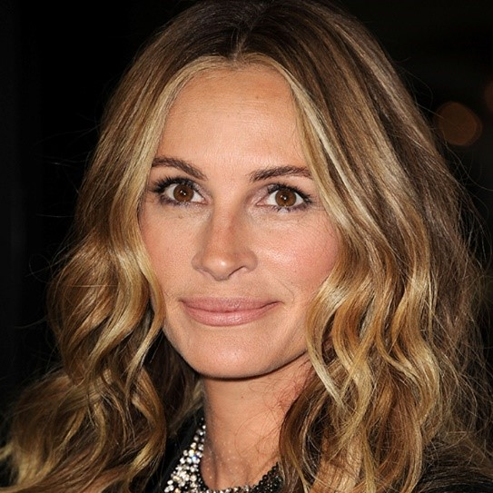 LOOK YOUNGER WITH THE PERFECT HAIR COLOUR WITH PATRICK GILDEA - Hair colour look younger