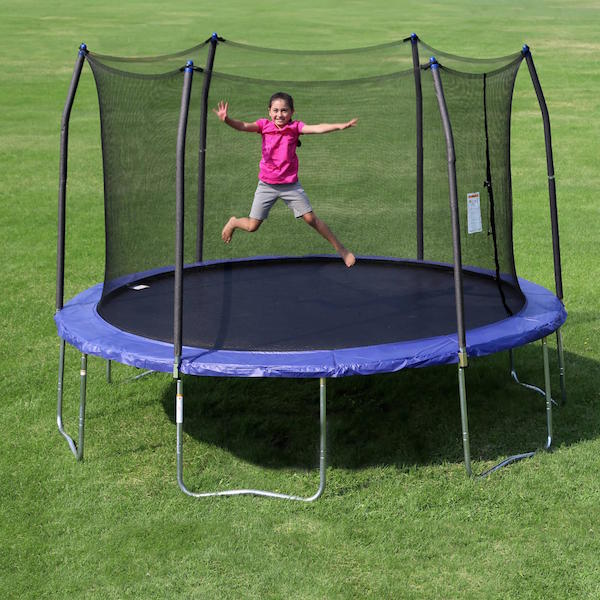 PARENTS WARNED TO SUPERVISE THEIR CHILDREN ON TRAMPOLINES