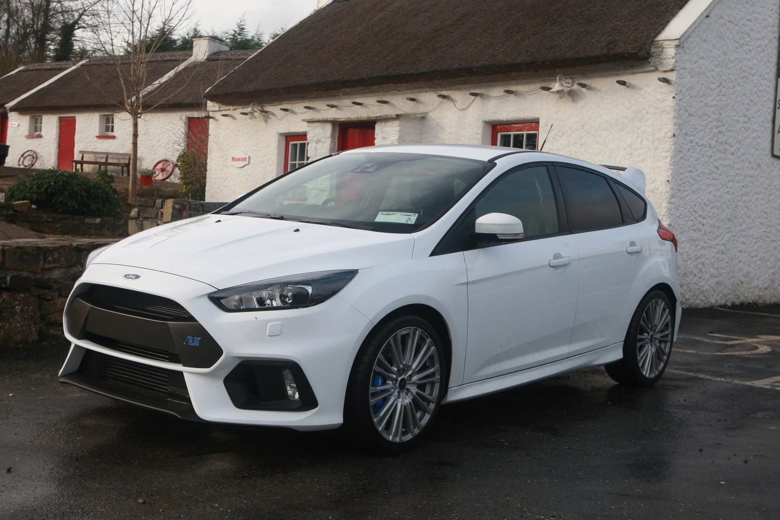 dd motoring the ford focus rs donegal daily. Black Bedroom Furniture Sets. Home Design Ideas