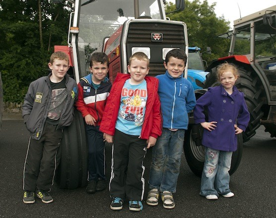 Some of the young people ready to give the machines a big send off at the Drumoghill NS Tractor Run.