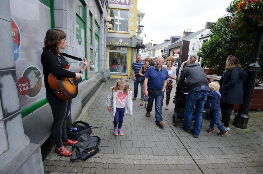 Mary Anne McDonnell taking part in the Letterkenny Chamber Shop LK busking Competition in Letterkenny on Saturday last.  Photo Clive Wasson