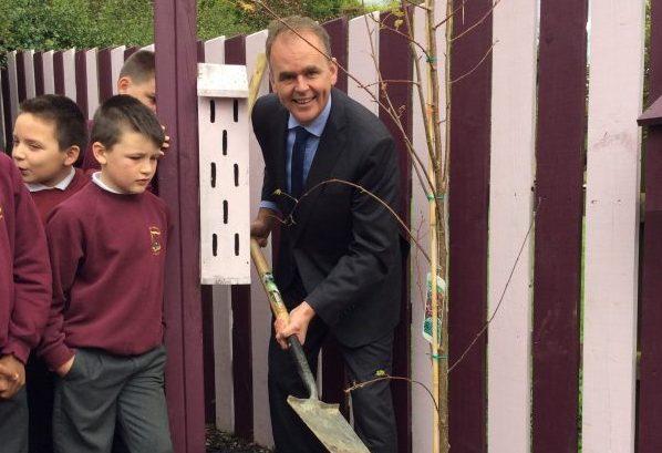 Fine Gael TD Joe McHugh visits Scoil Cholmcille
